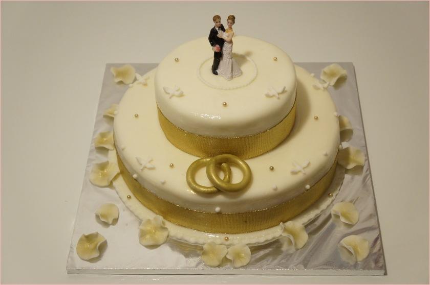 Hochzeitstorte weiß-gold (Braut und Bräutigam, Ringe, Perlen) - 2