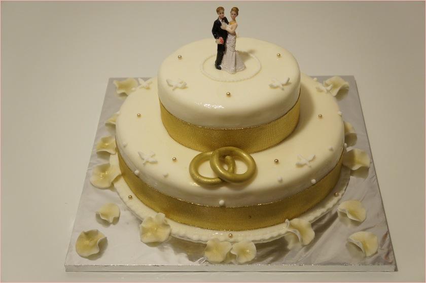 Hochzeitstorte weiß-gold (Braut und Bräutigam, Ringe, Perlen) - 3
